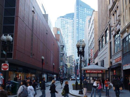 留学の魅力8:活気のあるボストンのダウンタウン