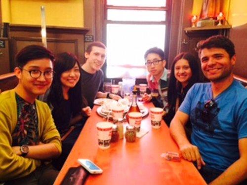 語学学校の友達達と食事会!