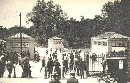 20世紀初頭の地下鉄パークストリート駅の風景