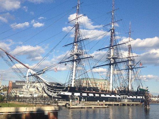 ボストンの歴史を感じられるUSSコンスティテゥーション号の写真