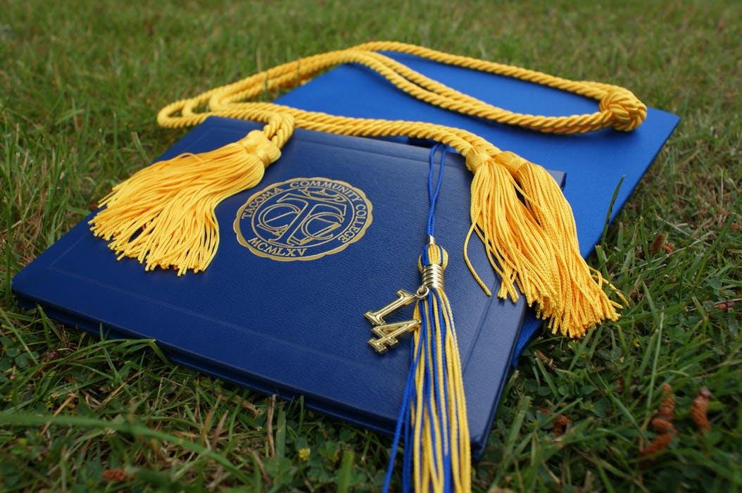 アメリカの大学の卒業証書