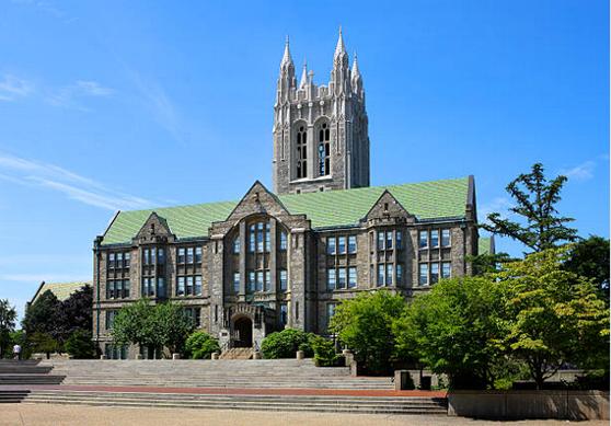ボストンカレッジのキャンパス風景